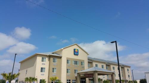 Comfort Inn & Suites Lakeside Photo