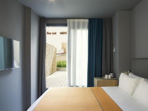 Yurbban Trafalgar Hotel photo 45