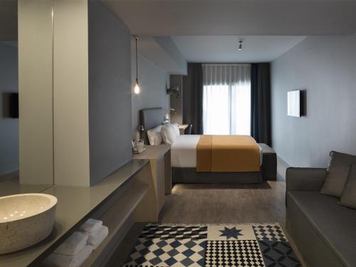 Yurbban Trafalgar Hotel photo 48