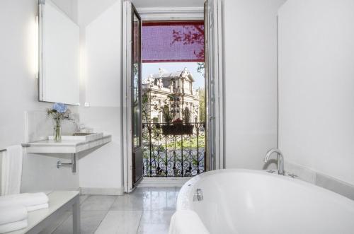 Habitación Doble Deluxe con vistas - 1 o 2 camas - Uso individual Hospes Puerta de Alcalá 5