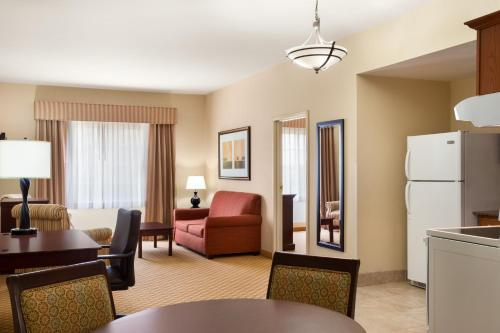 Country Inn & Suites by Radisson, Goodlettsville, TN Photo