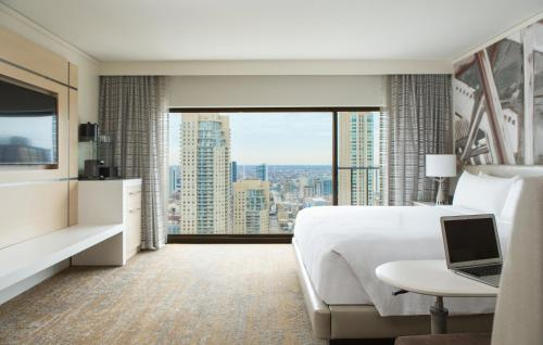 Chicago Marriott Downtown Magnificent Mile photo 14