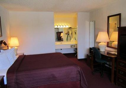 Quality Inn Ennis - Ennis, TX 75119