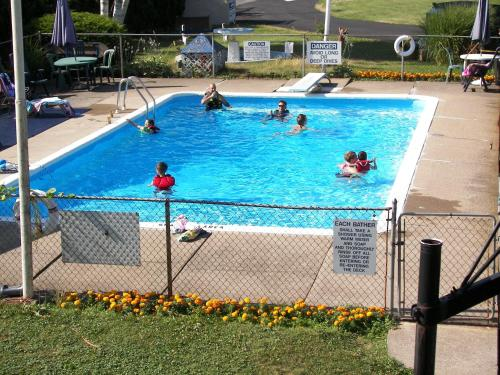 Villager Lodge Niagara Falls - Niagara Falls, ON L2H 1H1