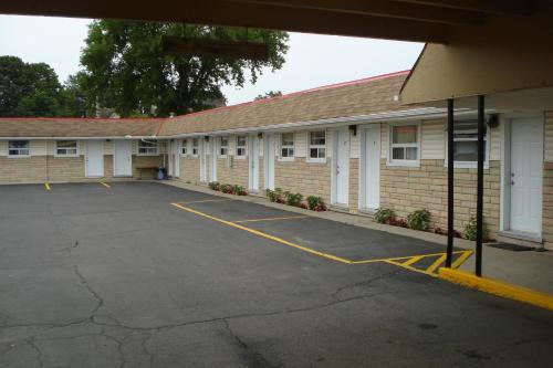 Eastcourt London Motel - London, ON N5W 3B8