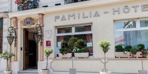 Familia Hotel photo 24