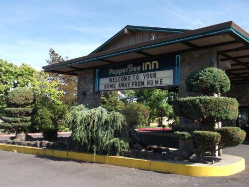 Pepper Tree Inn Photo