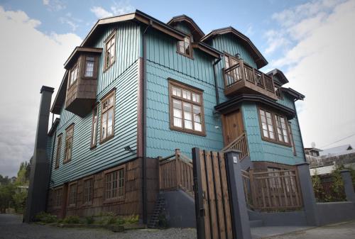 Decher 440, Puerto Varas, Región de los Lagos, Chile.