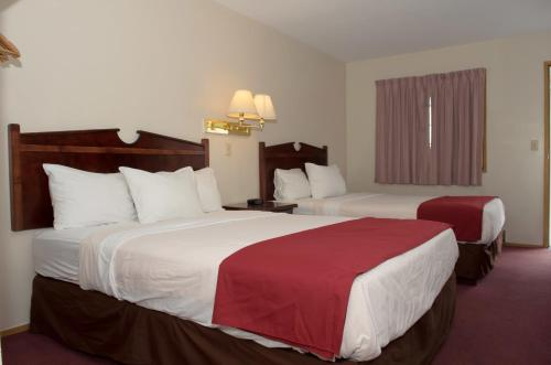 Kings Motor Inn - Kamloops, BC V2C 3Z6