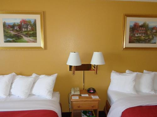 Country Inn & Suites by Radisson, Forest Lake, MN Photo