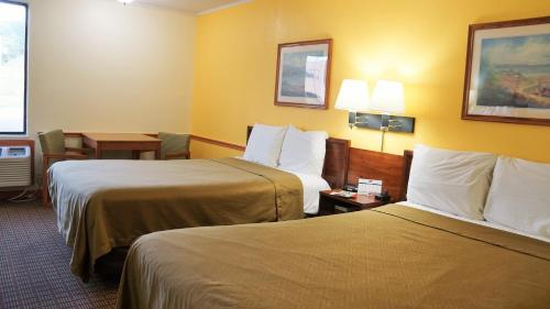 Econo Lodge Morgantown Photo