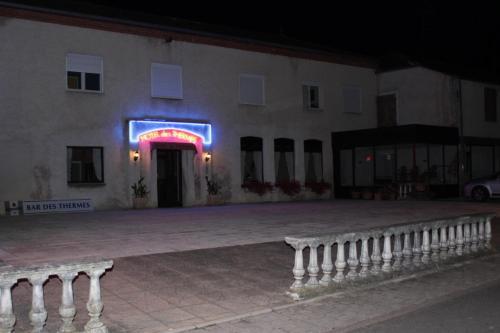 Hotel des thermes h tel rue du four 52400 bourbonne les for Hotel des bains rue delambre