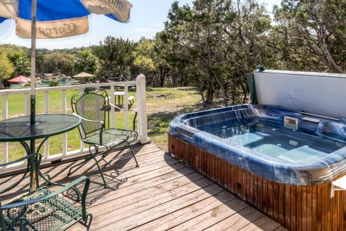 Tnt Hill Country Getaways - Helotes, TX 78023