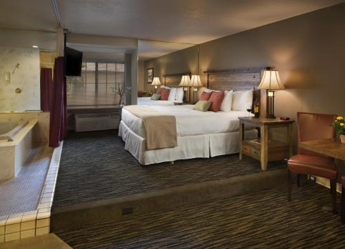 Postmarc Hotel and Spa Suites Photo