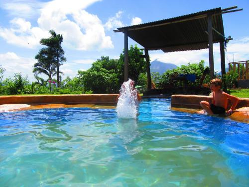 Essence Arenal Photo