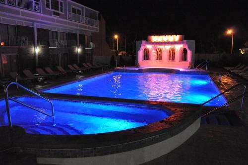 cape codder resort spa hyannis ma. Black Bedroom Furniture Sets. Home Design Ideas