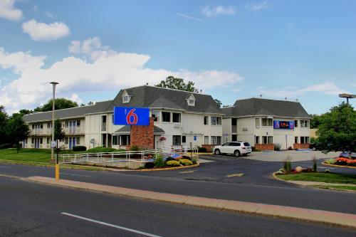 Motel 6 Hartford - Enfield - Enfield, CT 06024