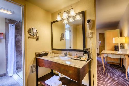 Howard Johnson Inn - Flagstaff Photo