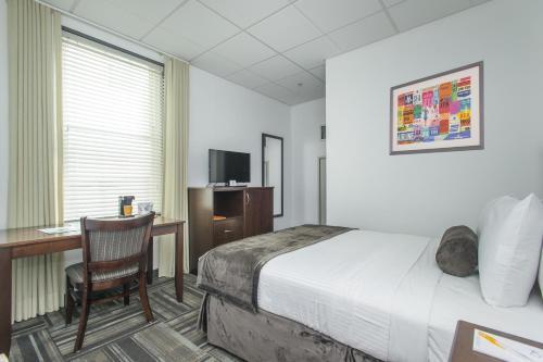 Hotel 140 Photo