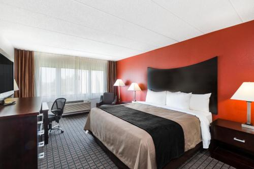 Comfort Inn & Suites BWI Airport Photo