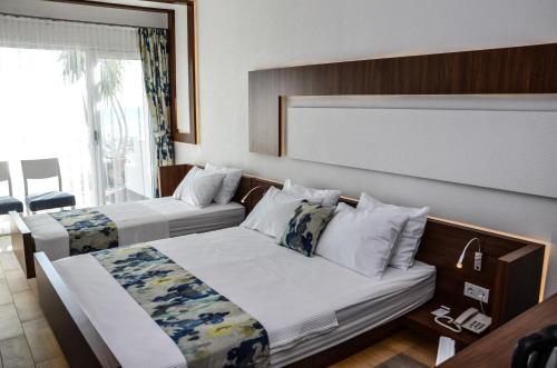 Burhaniye Karakas Hotel ulaşım