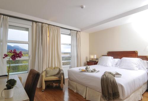 Double or Twin Room with View - single occupancy Casona del Boticario 9