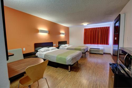 Motel 6 Houston Hobby photo 7