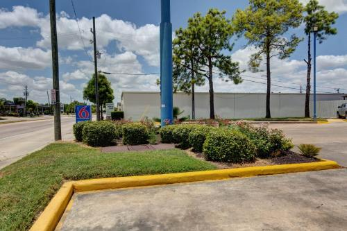 Motel 6 Houston Hobby photo 22