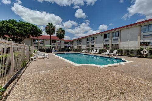 Motel 6 Houston Hobby photo 30