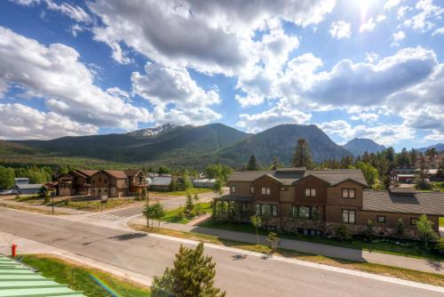 Two-bedroom With Private Elevator And Hot Tub At Red Bear - Frisco, CO 80443