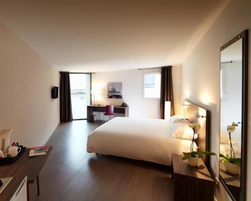 appart h tel hevea h tel 83 avenue de la marne 26000 valence adresse horaire. Black Bedroom Furniture Sets. Home Design Ideas
