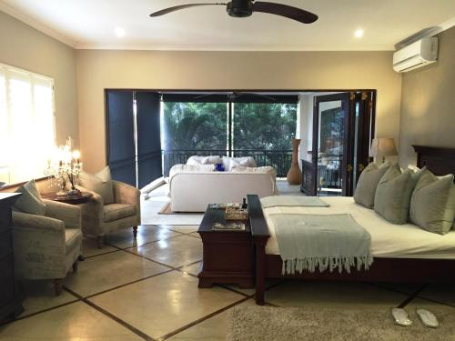 Five Burnham Guest House Photo
