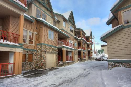 Treetops Ski Luxury Townhouse Photo