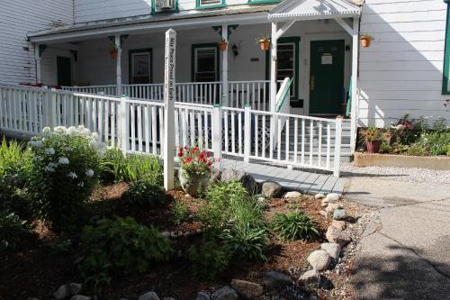 White Mountains Hostel Photo