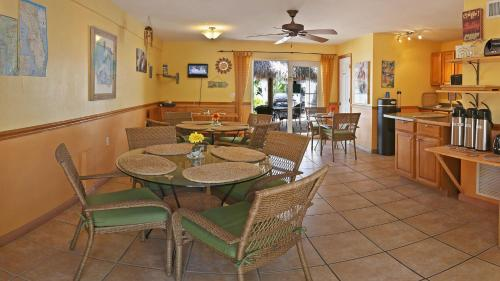 Manatee Bay Inn Bed And Breakfast Fort Myers Beach