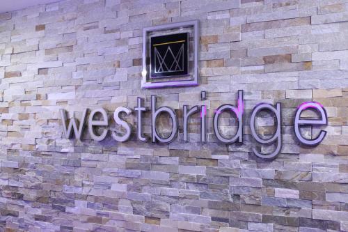 Westbridge Inn & Suites Photo