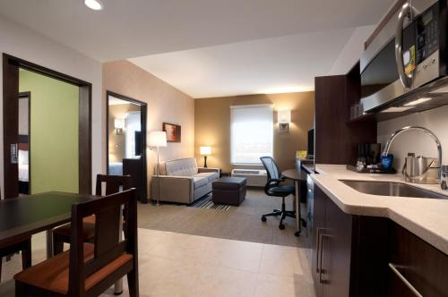 Homewood Suites by Hilton Queretaro Photo