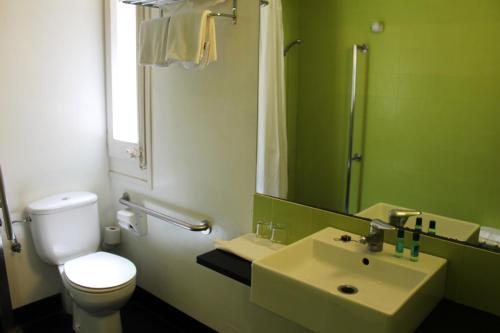 Raval Rooms photo 13