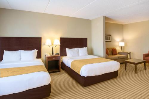 Comfort Suites photo 21