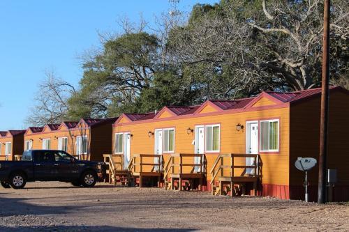 Custom Touch Village Van Vleck - Van Vleck, TX 77482
