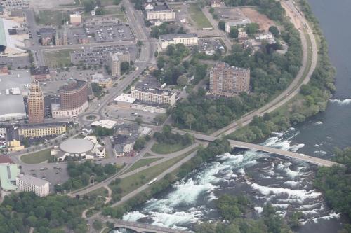 Wingate by Wyndham Niagara Falls Photo