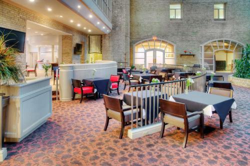 Delta Hotels By Marriott London Armouries - London, ON N6B 1T9
