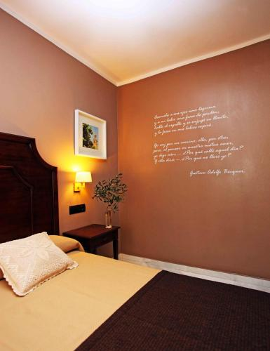 Classic Double or Twin Room Hotel La Fonda 25
