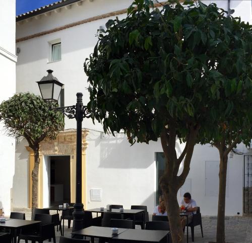 Calderón de la Barca, 3, 11380 Tarifa, Cádiz, Spain.
