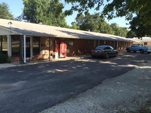 Country Inn Marion - Marion, KS 66861
