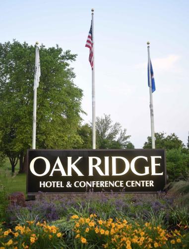 Oak Ridge - Chaska, MN 55318