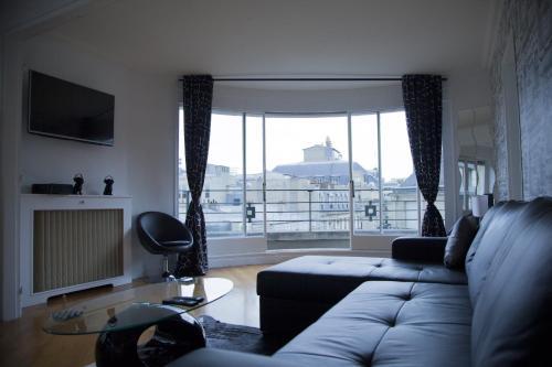 Champs Élysées-Vuitton Apartment photo 6