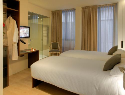Double or Twin Room Hotel Museu Llegendes de Girona 16