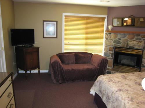 River's Edge Bed And Breakfast - Trail, BC V1R 1J9