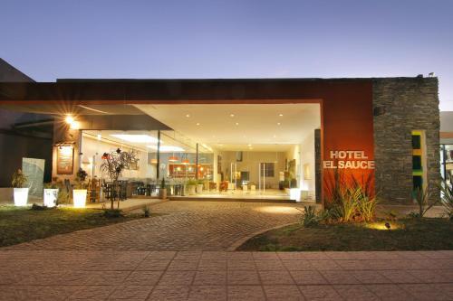 Hotel El Sauce Photo